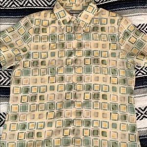 Green, yellow, and grey square design button up